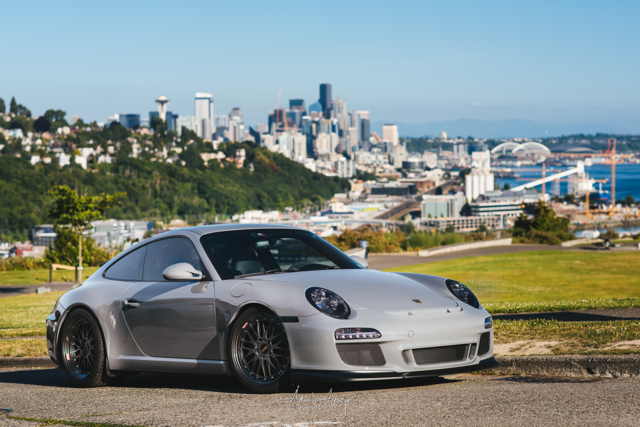 Rheena's Porsche 911 overlooking Seattle